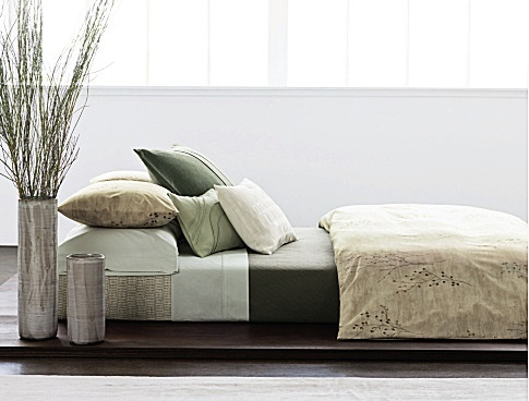 17 best images about bedding on pinterest bed linens for Calvin klein jardin collection