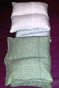 Lovak számára készült meggymag párnák.  http://herbahod.hu/termekek/allatgyogyaszati-keszitmenyek/meggymag-parna-lovaknak