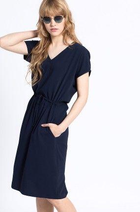 Zobacz produkt Medicine - Sukienka Work In Progress kolor granatowy  RS16-SUD603w oficjalnym sklepie odzieżowym online marki MEDICINE. Dostawa w 24h - dzisiaj zamawiasz, jutro przymierzasz. Zapraszamy do zakupów.