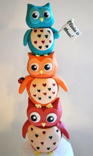 Cute owl cakes