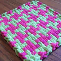 This is a great pattern to use with a loop loom. It's easy enough for kids and adults will love the classic pattern.
