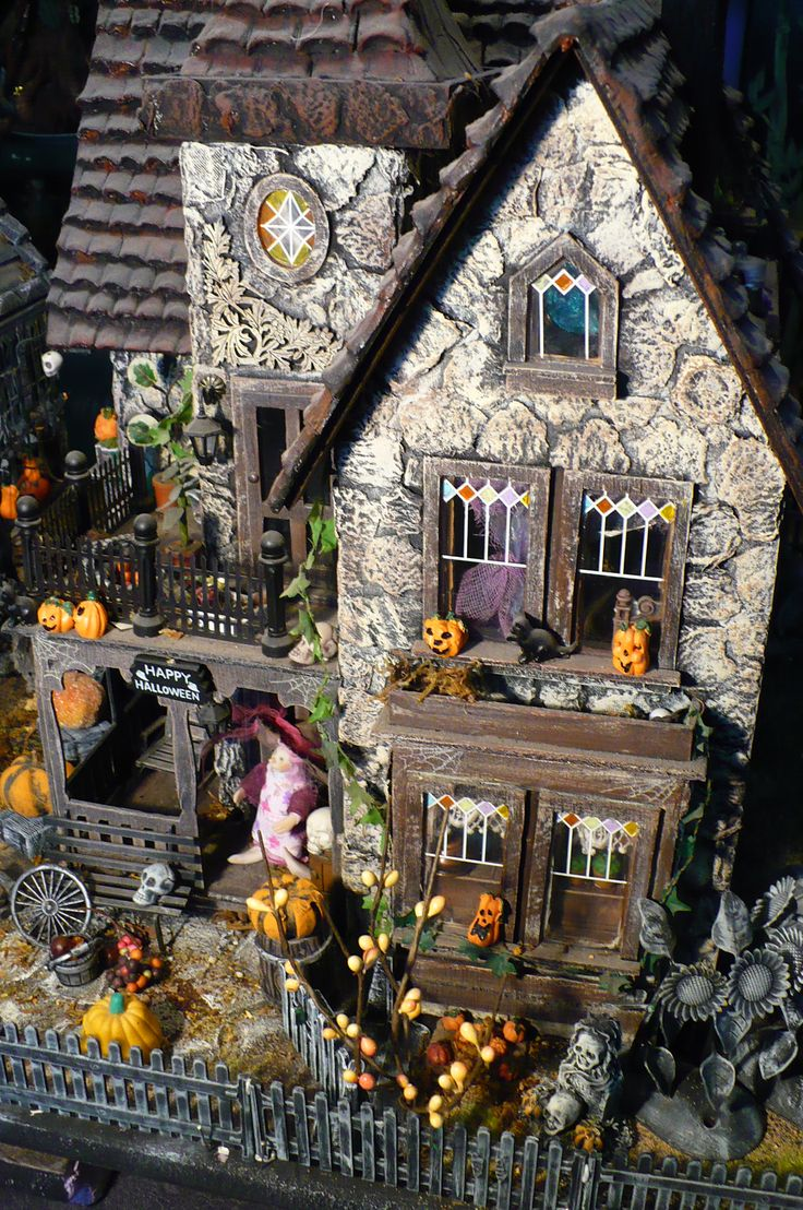 384 best halloween houses/doors crafts images on pinterest