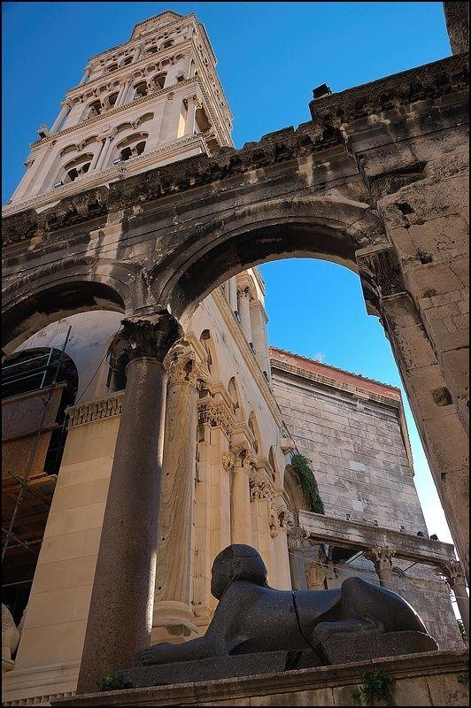 Visit Croatia � Beautiful Country at Adriatic Sea - Deiocletian palace, Split, Croatia