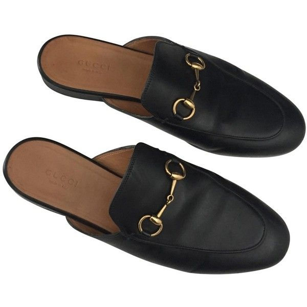 Princetown leather flats GUCCI (3,685 GTQ) ❤ liked on Polyvore featuring shoes, flats, navy leather shoes, flat shoes, flat pumps, genuine leather shoes and navy flats