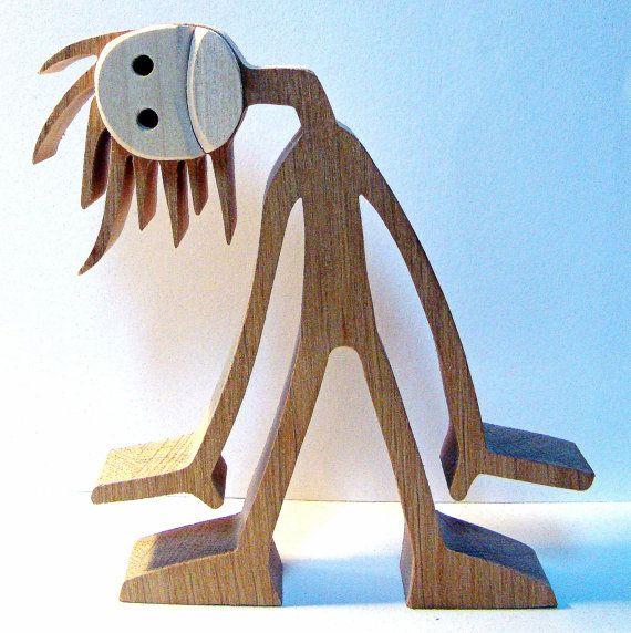 """sculpture bois chantourné """"p'têt que c'est mieux en regardant comme ça"""""""