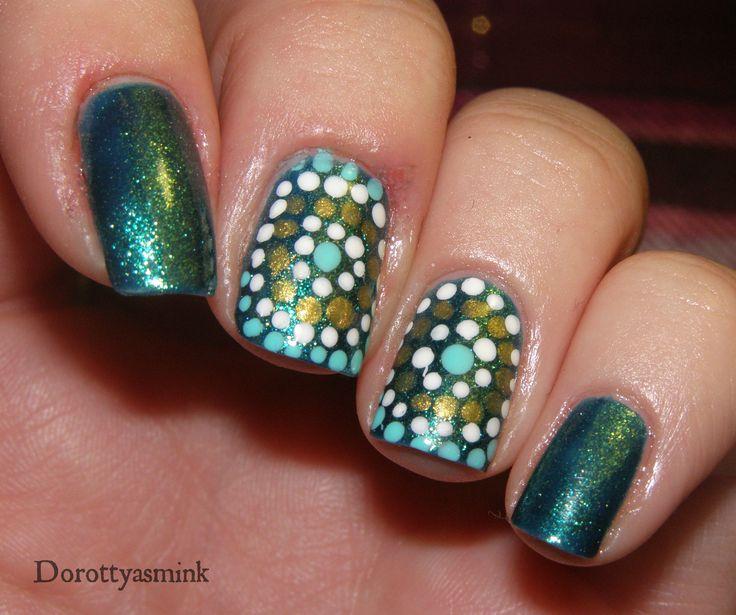 Green & gold polka dots nails