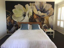 Haal de tuin in huis met deze geweldige bloemenprint LUCIANAS GARDEN naar een schilderij van de Australische kunstenares Diana Watson. Helemaal de trend van nu deze floral!- afm.