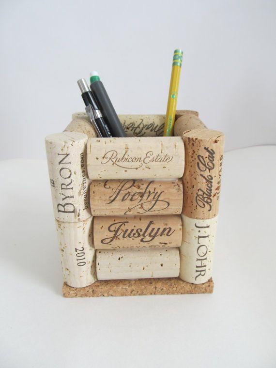 Wein-Korken Bleistift Stifthalter von LizzieJoeDesigns auf Etsy
