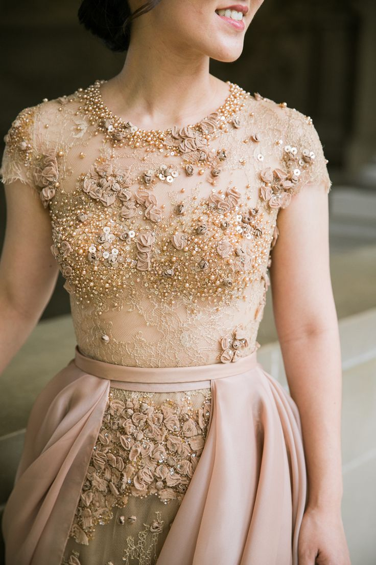 Stunning nude and blush couture gown for a formal e-sesh   Photography: Jasmine Lee Photography - jasmineleephotography.com