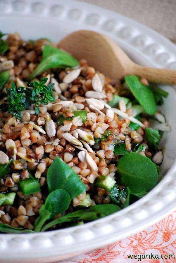 Kuchnia wegAnki: Zielona sałatka z kaszą gryczaną