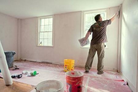 Se avete da poco terminato dei lavori di ristrutturazione e non vi resta che stuccare le pareti per poterle colorare, e volete allo stesso tempo risparmiare un po', questa guida fa al caso vostro. L'operazione di stuccatura sulle pareti è un lavoretto che potete anche far da soli senza l'aiuto di grandi esperti. In questa guida vi sarà spiegato un modo facile e veloce su come stuccare una parete interna della vostra abitazione. Il lavoro di stuccatura permette di lisciare le pareti, di…