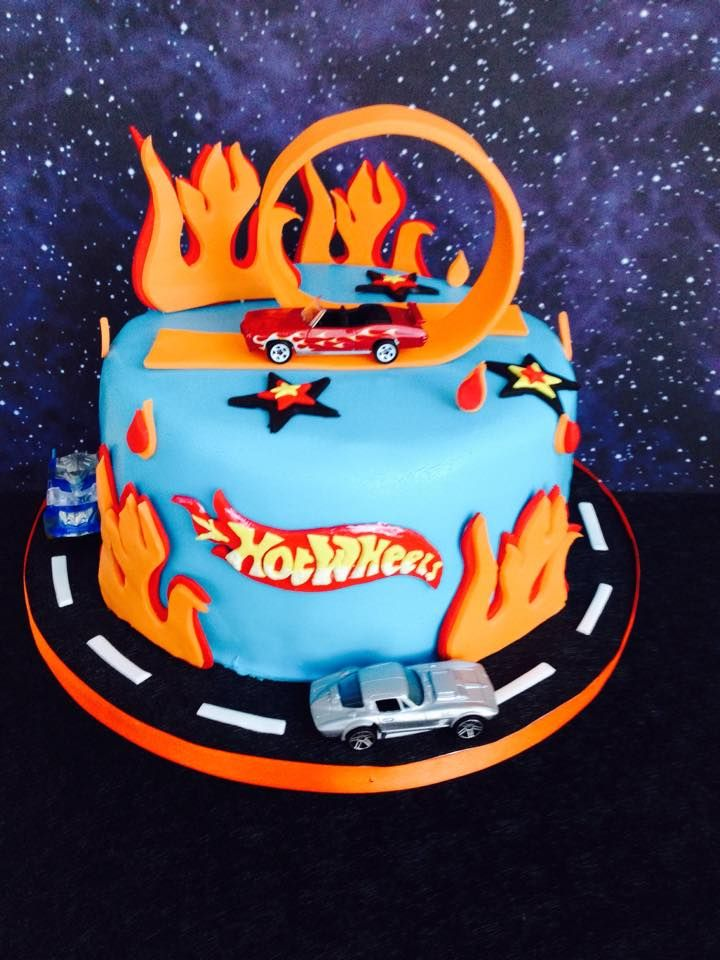 Hot wheels cake !!!