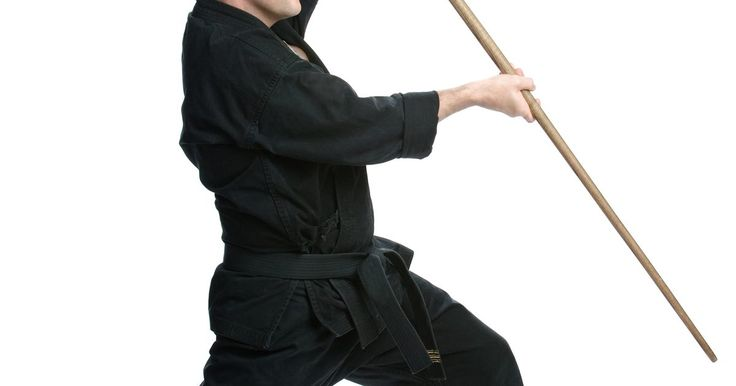 Como treinar para ser um guerreiro samurai. Samurais são conhecidos há muito tempo como um grampo mítico da cultura japonesa e isso é datado de centenas de anos atrás. Eles são famosos por sua autodisciplina e comprometimento com as causas nobres. A busca por se tornar um samurai é marcada pela humildade distinta e pelo desejo de sustentar a distinção entre o certo e o errado sem se ...