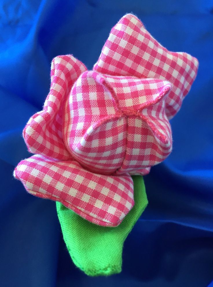 Easy to grab tulip sensory toy with crinkle sound. Hand made