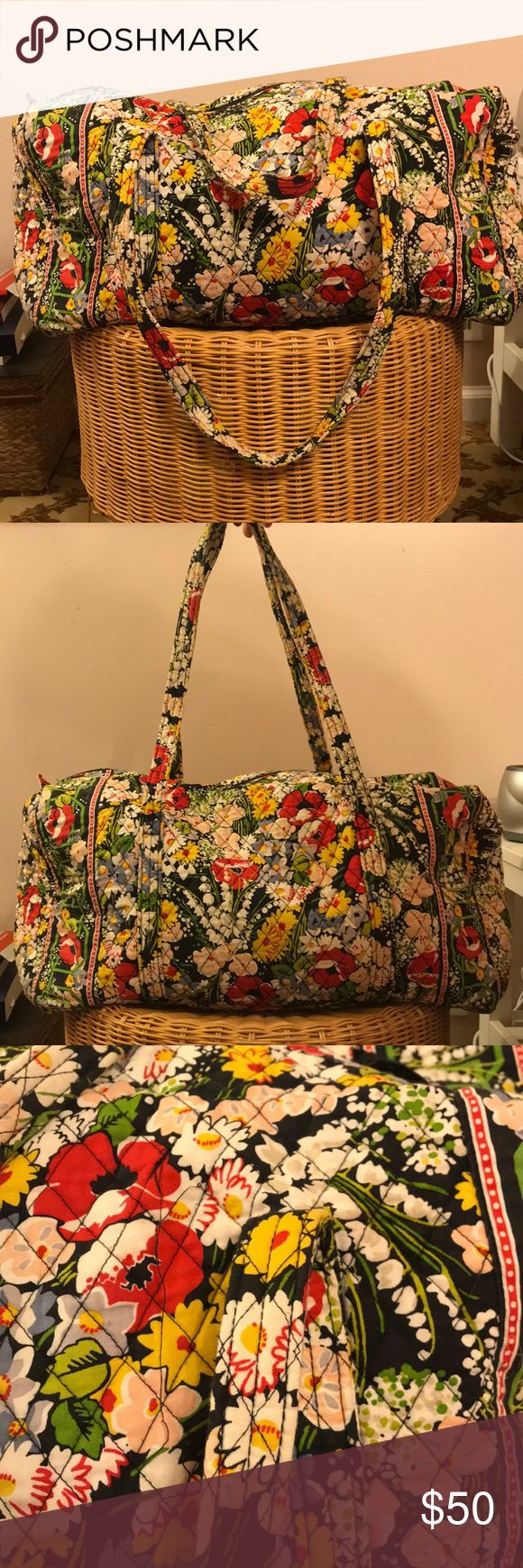 Vera Bradley Weekender Bag Big traveling bag great for airports and weekends away. Definitely loved, but clean and looks amazing. Bright colors def add style to your weekend away or going through the airport Vera Bradley Bags Travel Bags