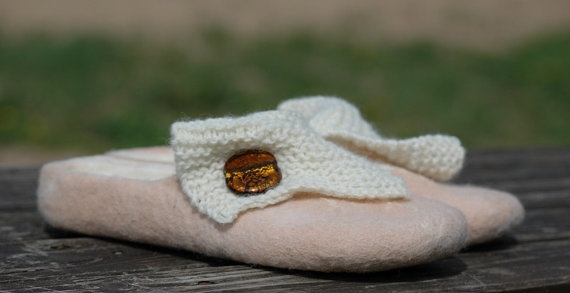 Felted Slippers with Knitwear Decoration: Shoes, Style, Etsy, Items, Felted Slippers, Bags, Knitwear Decoration
