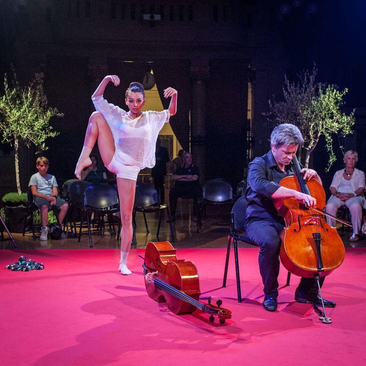 Giovanni Ricciardi, violoncellista accompagna Giulia Pelagatti, campionessa mondiale di danza sportiva