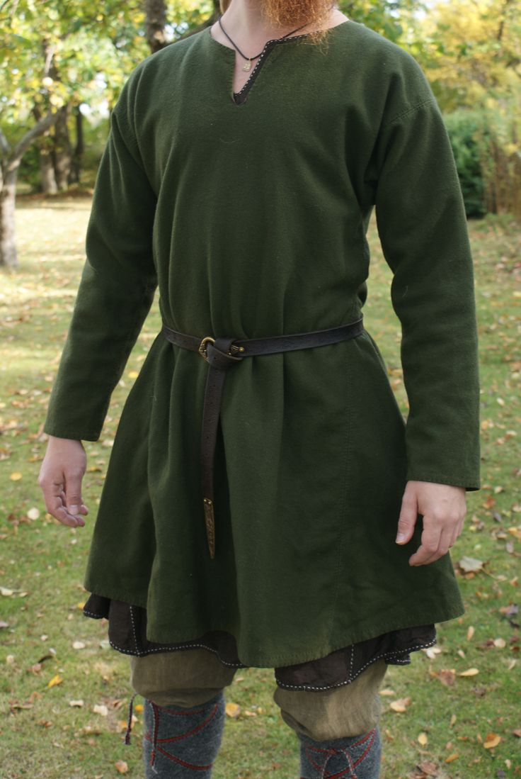 Hand sewn wollen tunic by Henrik Nordholm  https://www.facebook.com/pages/Henrik-Nordholm/254634504677319