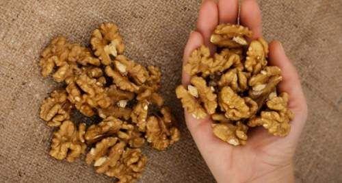 Μυστικά υγείας: Eat 5 Walnuts And Wait 4 Hours: Here's What Will Happen To You - PositiveMed
