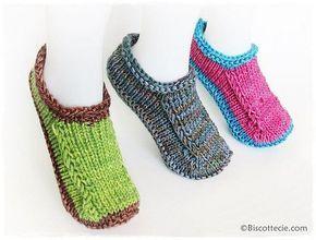 Ce patron de pantoufles est gratuit et vous est offert en deux versions : il se tricote en allers-retours (patron original) ou en rond (version Biscotte)!