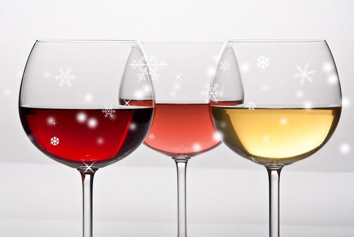El dilema de las Navidades, ¿Vino tinto, blanco o rosado? - http://www.bodegaslapurisima.com/el-dilema-de-las-navidades-vino-tinto-blanco-o-rosado/ Comprar vino en Navidad es un clásico. Las reuniones familiares repartidas en multitud de comidas y cenas son un evento anual que acostumbramos a preparar con ilusión. En esta época adquirimos productos buscando un plus de calidad, marcando un poco la diferencia con lo que hacemos el resto del añ...  #Navidades, #Vino