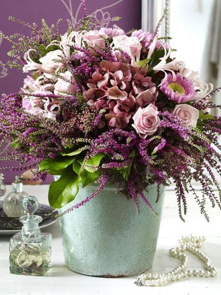 Queen of Autumn: heather as decoration  – Blumengesteck