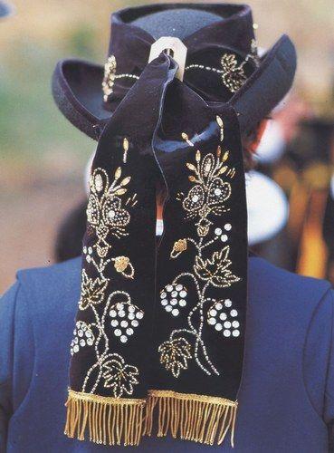 Rubans brodés glazic d'un chapeau (cornouaille)  Finistère Bretagne