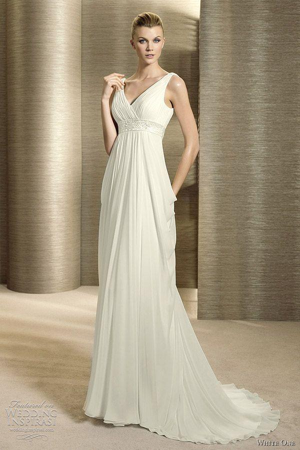 13 best Wedding Dresses images on Pinterest | Wedding frocks ...