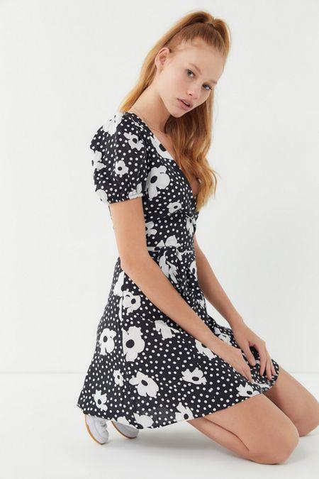 53f4d290fdc4 UO Jocelyn Printed Puff Sleeve Mini Dress in 2019