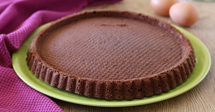E' perfetta da farcire per preparare spettacolari torte!! Si mantiene bene per più giorni e la ricetta è veramente facile e infallibile!