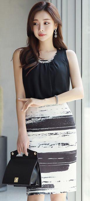 StyleOnme_Artistic Brush Stroke Print H-Line Skirt #white #black #pencilskirt #chic #feminine #koreanfashion #kstyle #kfashion #springtrend #dailylook