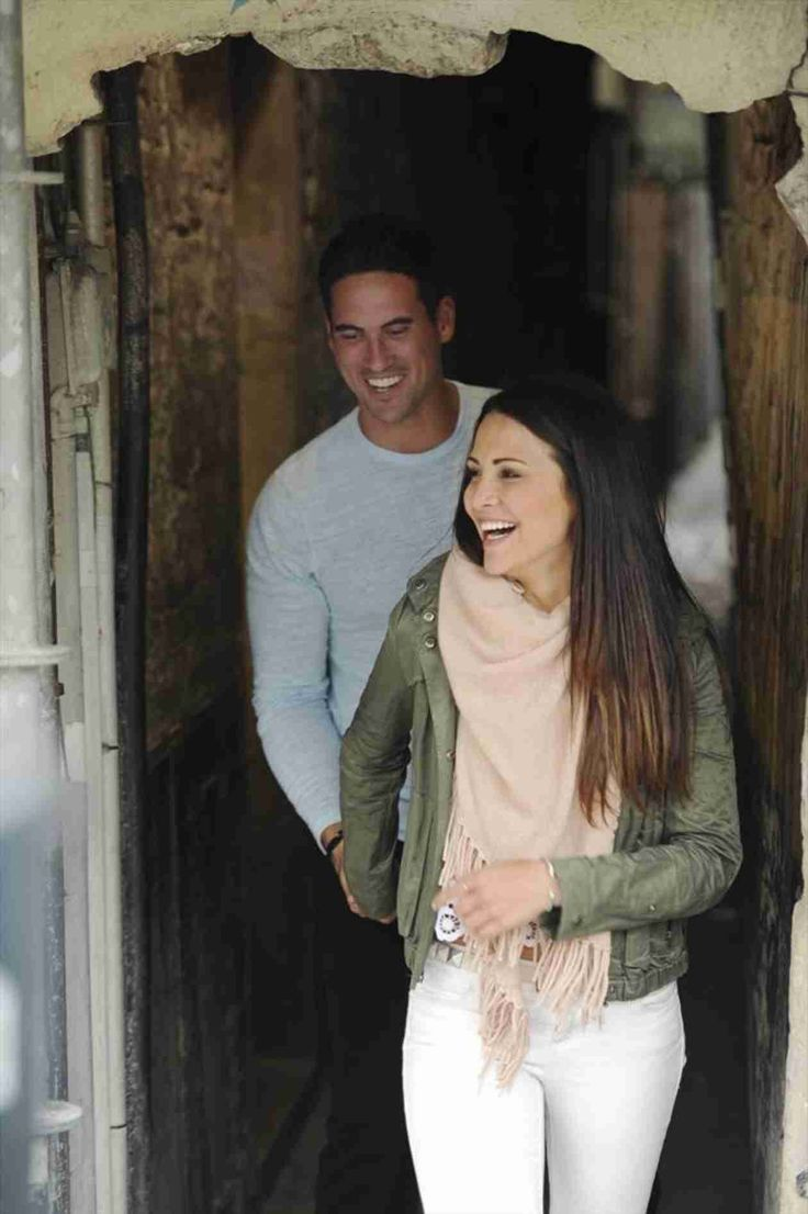 Josh Murray and Andi Dorfman Share a Laugh in Belgium in Episode 7