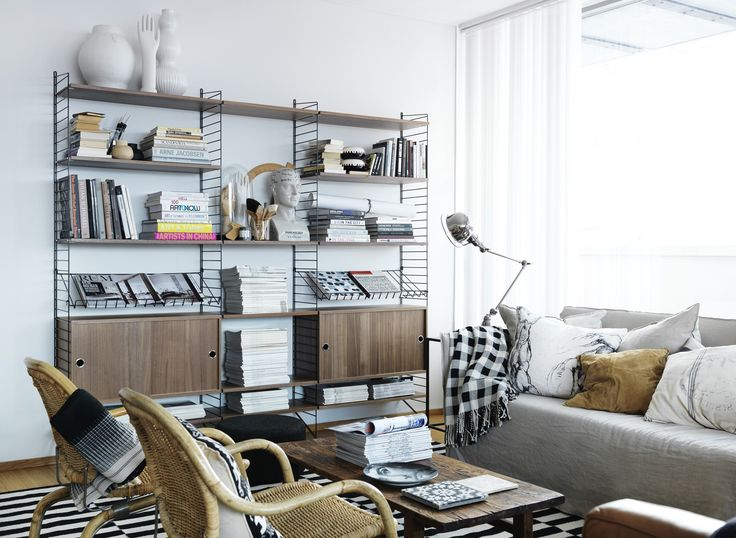 'String' shelfs, Nisse Strinning