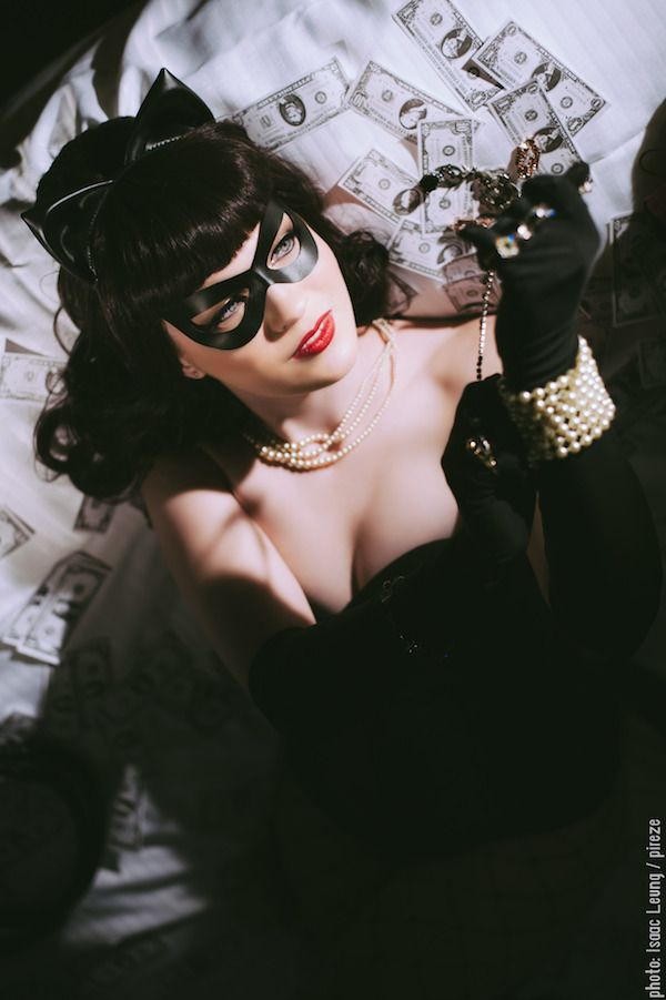 We have a new addition to our growing list of Denis Medri-inspired rockabilly cosplays with this Catwoman cosplay by Breathless-ness.