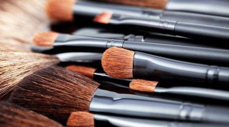 Hoe gebruik je make-up kwasten?