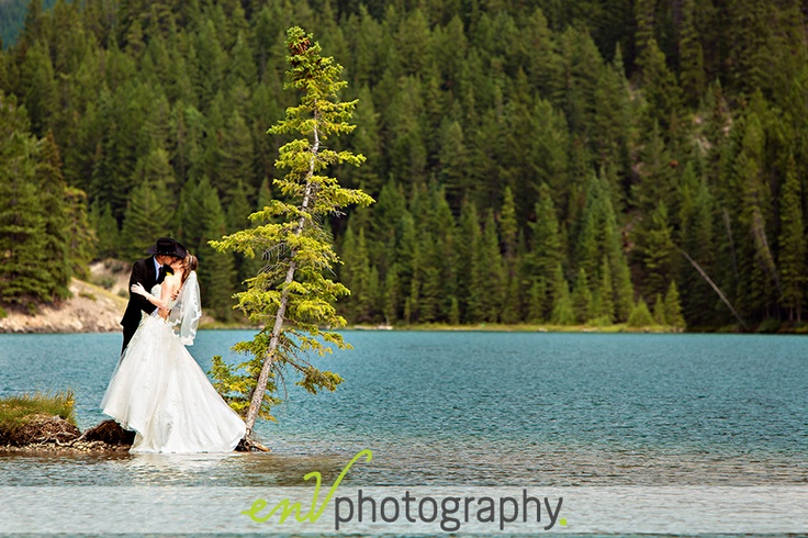 A little wedding action on an island in Banff, AB