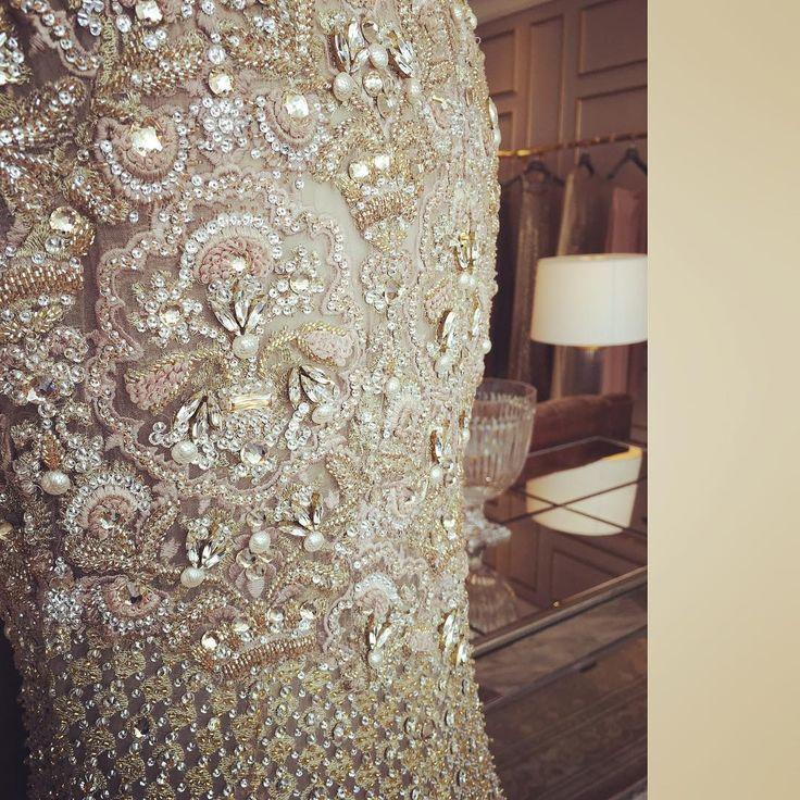 """Beautiful Details @farazmanan #hautecouture #farazmananmiddleeast #farazmanan #mydubai #dubai #jumeirah #bridal #embroidery #details #beautiful…"""