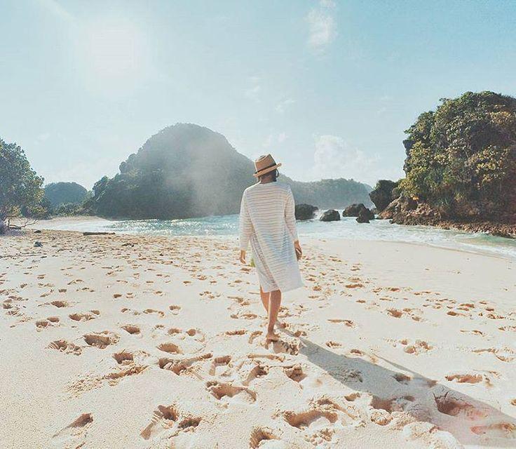 Watu Leter Beach, a beautiful private beach in Malang, East Java, Indonesia  Photo by: IG @nurnazama