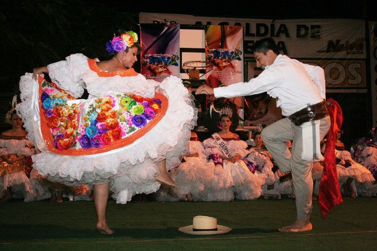 Bambuco dancers - Festival del Bambuco 2013 - Huila, Colombia