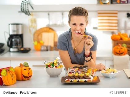 Halloween – Entstehung und Herkunft. Ende Oktober wird überall Halloween gefeiert. Doch was ist das überhaupt, was genau wird gefeiert und woher kommt es? Fest steht eines: die Amerikaner haben es nicht erfunden