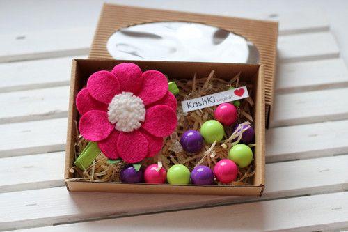 Colorful jewelry sets for little girls. #felt #headdress #bracelet #necklace #beads #flowers #KashKi