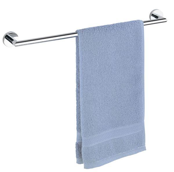 Die Handtuchstange Uno Revello aus rostfreien verchromten Messing bietet mit 61 cm genug Platz für ein Badetuch oder zwei Handtücher. Außerdem verfügt der Handtuchhalter über eine Power-Loc Wandbefestigung, die eine Befestigung ohne Bohren ermöglicht. Gesehen für € 39,99 bei kloundco.de.