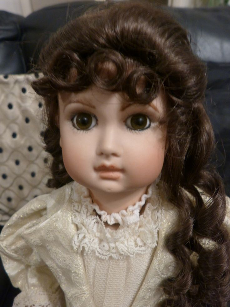 musical repro doll