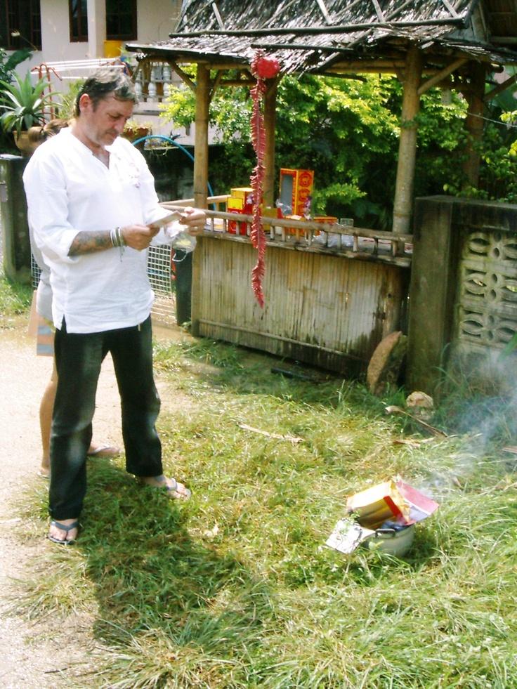 #Opfergaben #Chinesisches #Neujahr   - Mein Leben (über 11 Jahre) in #Thailand. Ich war aber auch schon in #Laos, #Burma, #Vietnam, #Malaysia und in #Kambodscha.   Viele #Tipps und #Informationen zum #Auswandern. - Auswandern und Frei sein. – #Weltweit #Geld #verdienen! -   ==> http://Auswandern-nach-Thailand.info