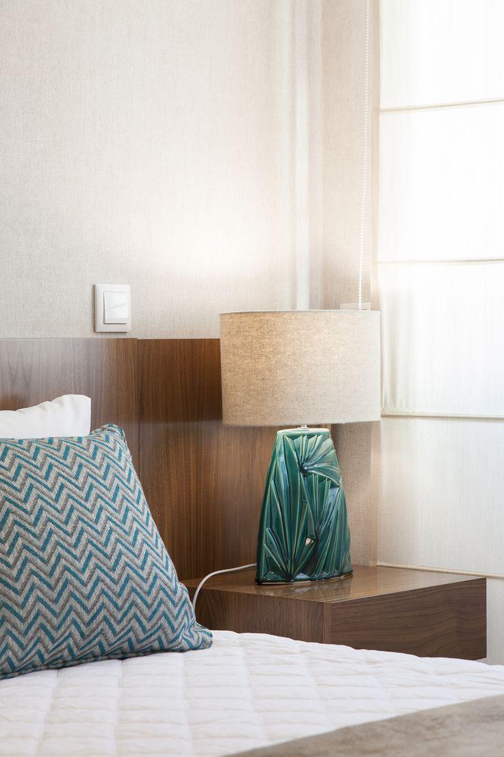The 25+ best Mesa de cama ideas on Pinterest   Mesa de noche, Mesa ...