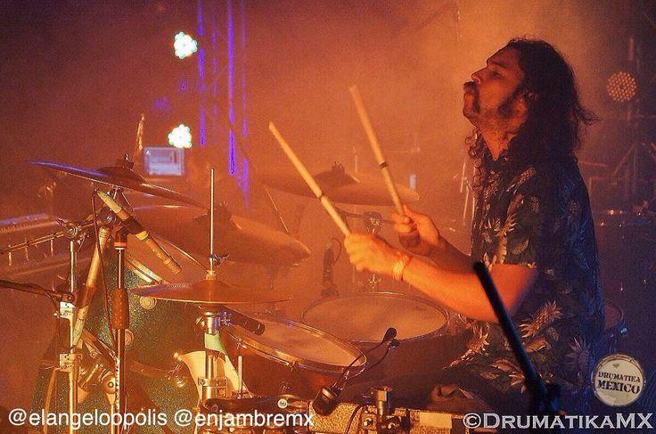 Enviamos 1a gran felicitación a @angeloopolis baterista de @enjambremx que hoy cumple años! Feliz cumpleaños Ángel los mejores deseos de parte de @drumatikamx que sea un excelente año de vida Muchas Felicidades! We send greetings and a lot of joy today to Angel Sanchez drummer of the band Enjambre our best wishes for you! Happy Birthday! #birthday #happybirthday #bestwishes #Drums #Drummers #Drumheads #Cymbals #Drumsticks #Snare #BassDrum #Drumkit #Drumlife #Toms #Bateria #Bateristas…
