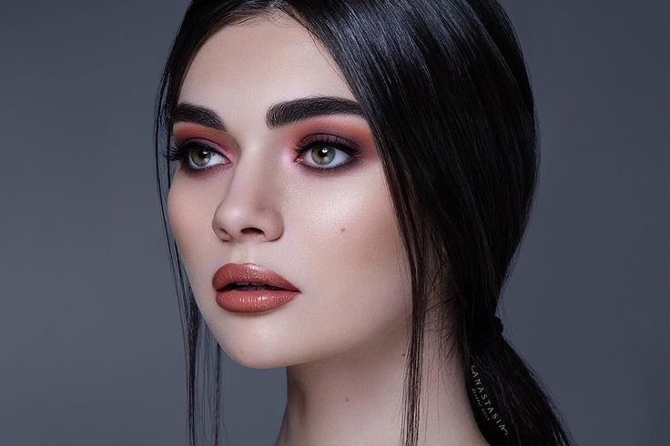 """82.4k Likes, 285 Comments - Anastasia Beverly Hills (@anastasiabeverlyhills) on Instagram: """"Subculture Palette  BROWS: Brow Powder in Granite EYES: From Subculture using shadows ✨All…"""""""