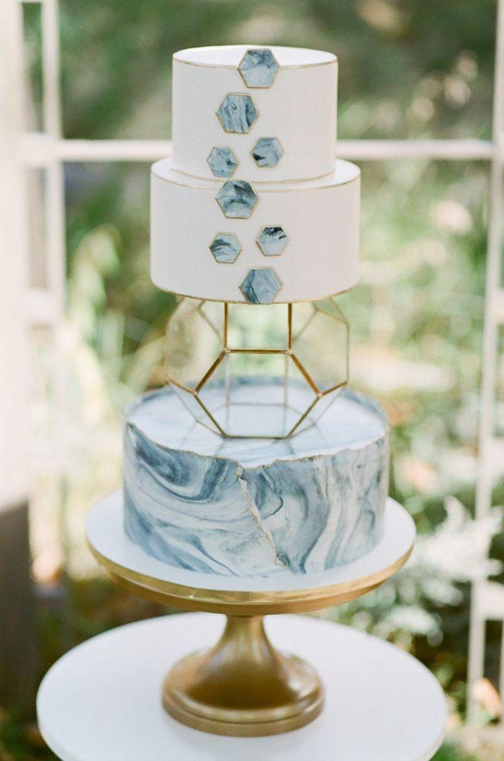 Such a fun, unique cake! #floralweddingcakes