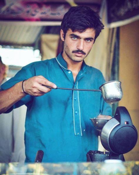 Vendeur de thé pakistanais Arshad Khan