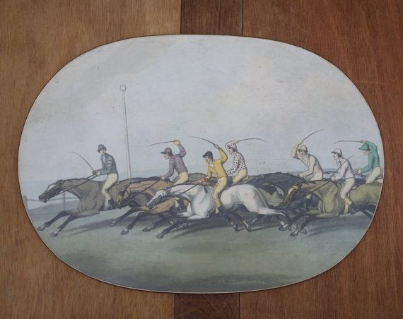 Vintage Trivet Placemat with Engraved Derby par LaMachineaBrocantes